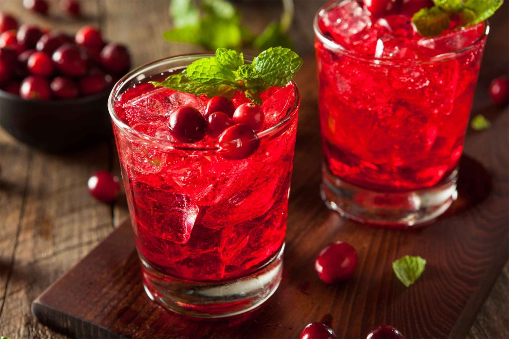 04-soda-alternatives-cranberry-juice