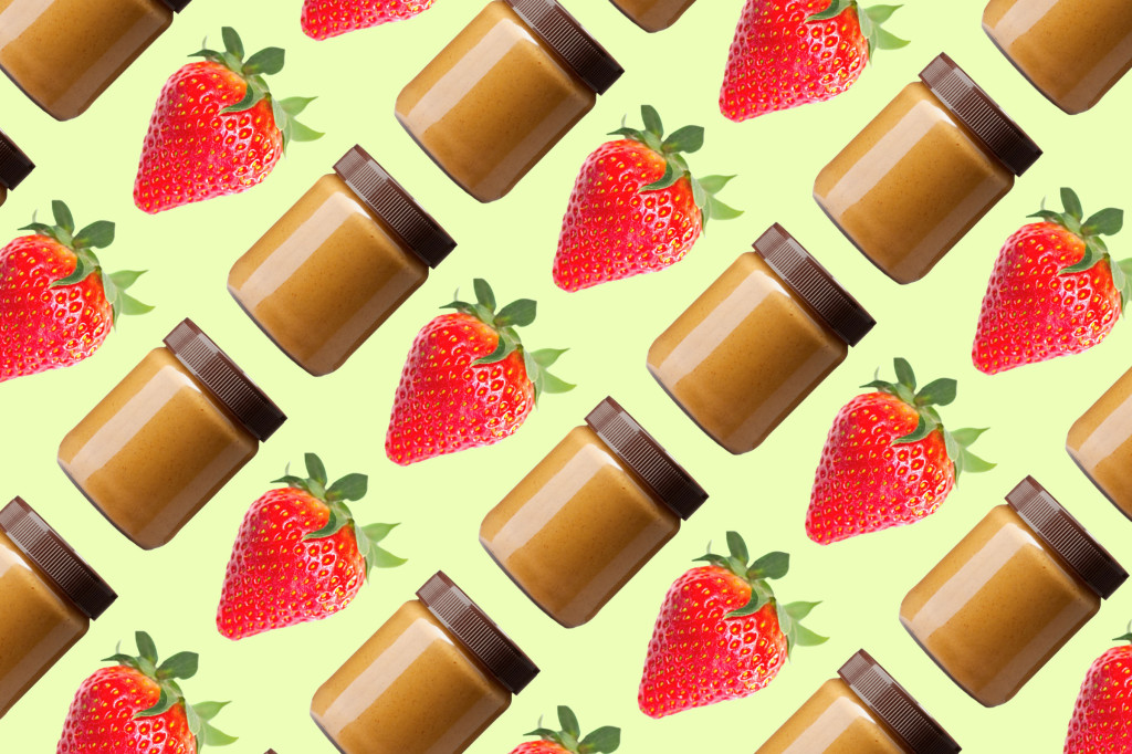 02-14-foods-never-eat-alone-strawberry-pb